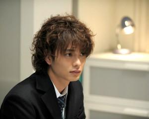 Masaki Okada, (C)2009「僕の初恋をキミに捧ぐ」製作委員会